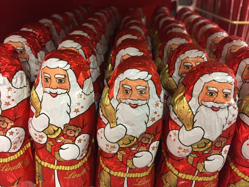 Chocolate Santa Claus de Lindt fotografia de stock royalty free