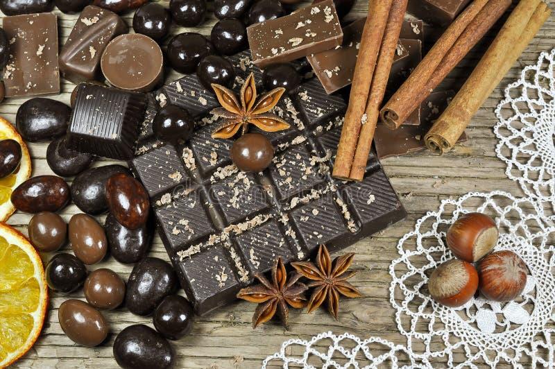 Chocolate y especias foto de archivo libre de regalías