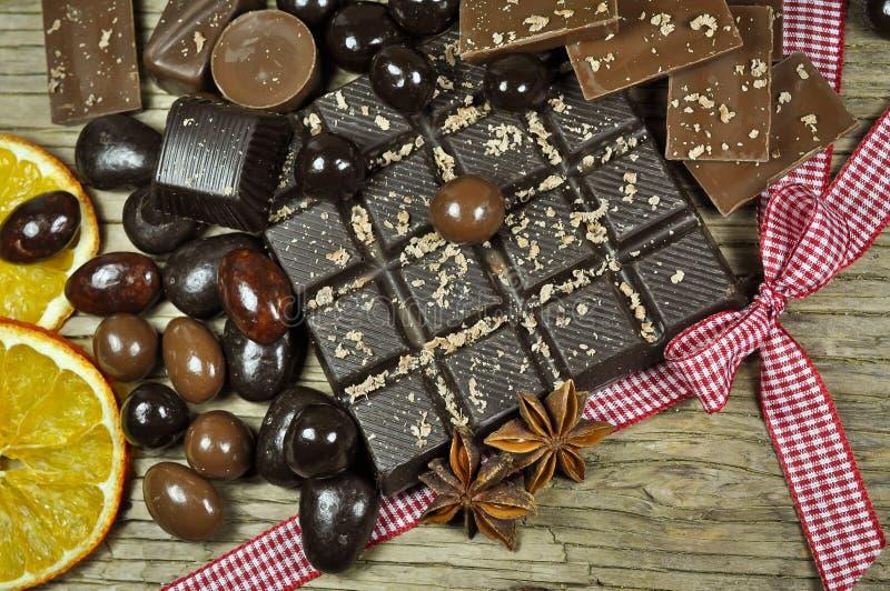 Chocolate y especias imagen de archivo