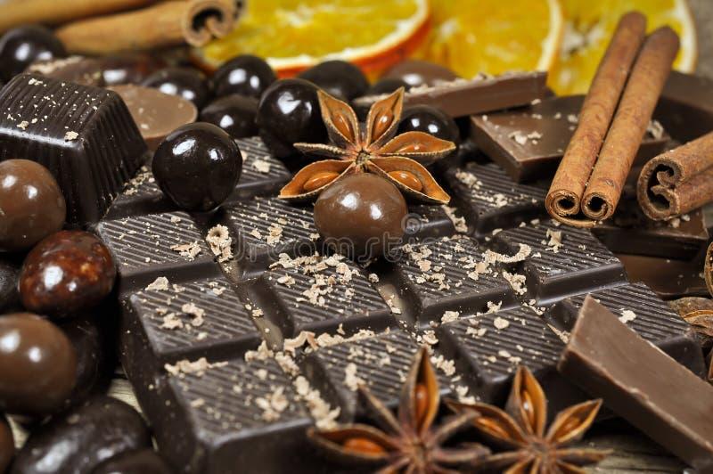 Chocolate y especias fotografía de archivo