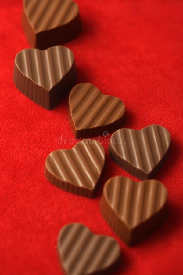 Chocolates del día de tarjetas del día de San Valentín fotografía de archivo libre de regalías