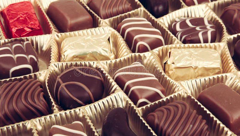 Chocolates finos sortidos imagem de stock royalty free