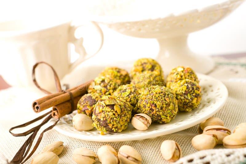 Chocolats fabriqués à la main images libres de droits
