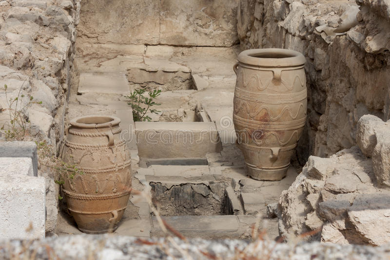 Chocs d'argile au palais de Knossos images stock