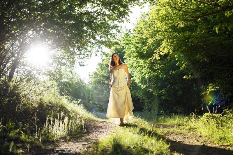 Chodząca czarodziejka zdjęcie royalty free