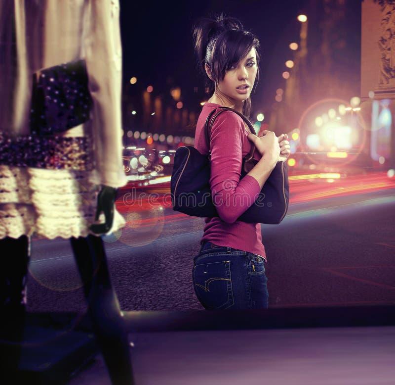 chodząca kobieta obraz stock