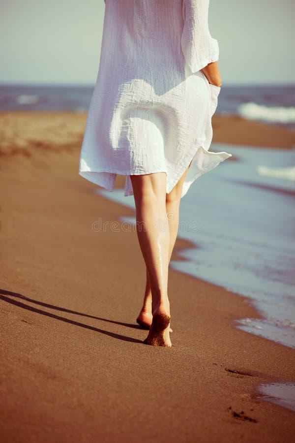 Chodzić morzem obrazy stock
