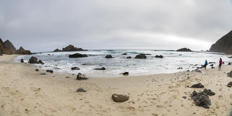 Chodzić na wybrzeżu obraz stock