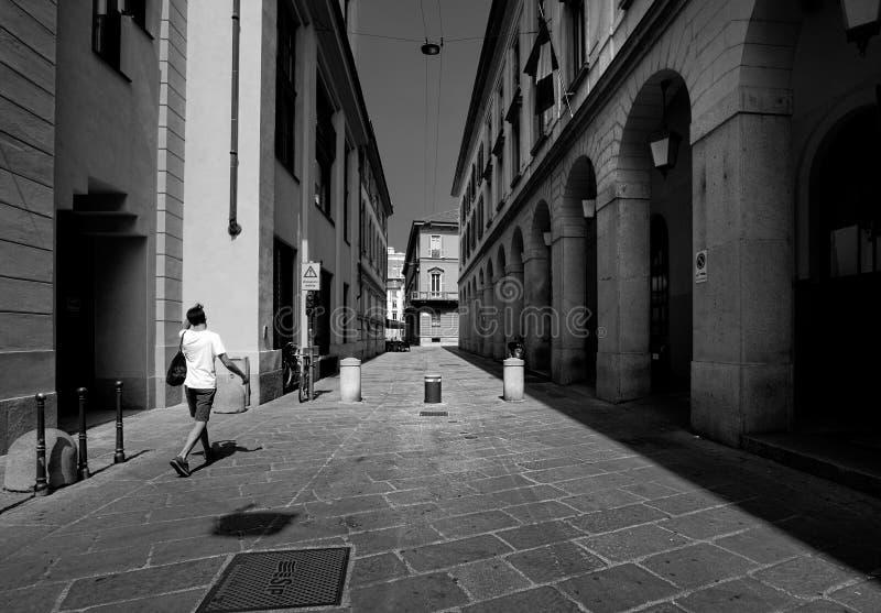 Chodzić przez Madryt czarny white zdjęcia stock