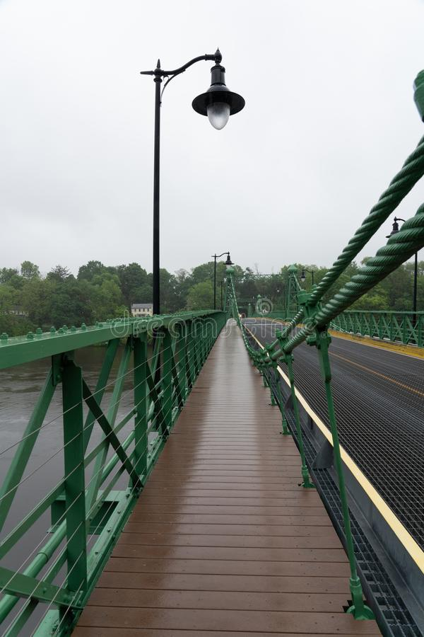 Chodzić w deszczu nad Riegelsville obrazy royalty free