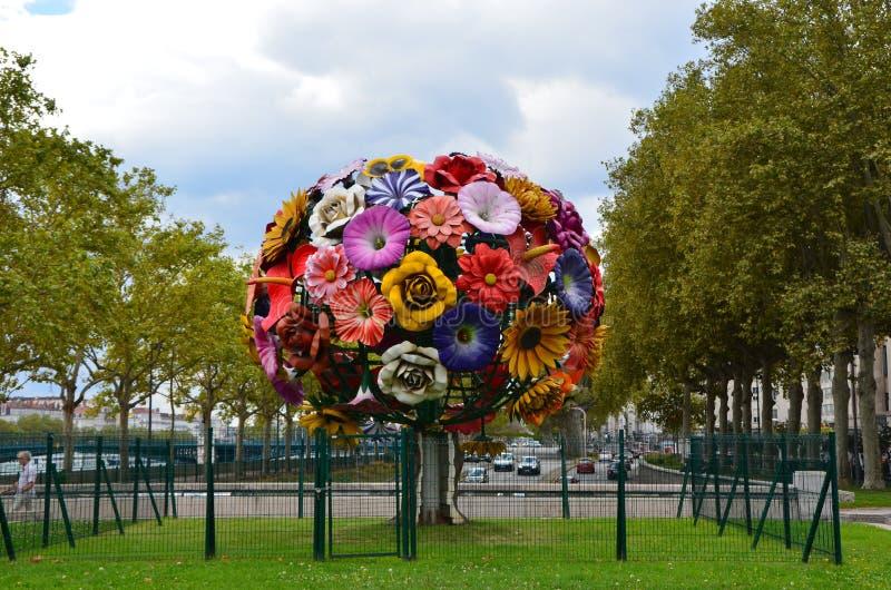Choi Jeong Hwa Tree In Lyon, Frankreich lizenzfreie stockfotos