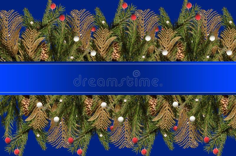 Choinek gałąź z dekoracjami na błękitnym tle ilustracji