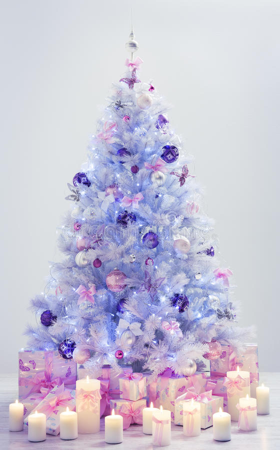 Choinek teraźniejszość, Dekorujący Xmas Drzewni Błękitni prezenty royalty ilustracja