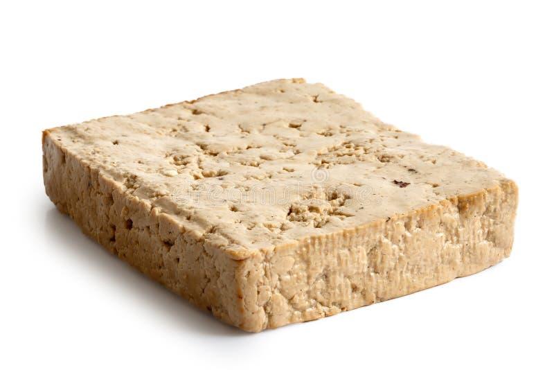 Choisissez le bloc de tofu légèrement fumé photo libre de droits