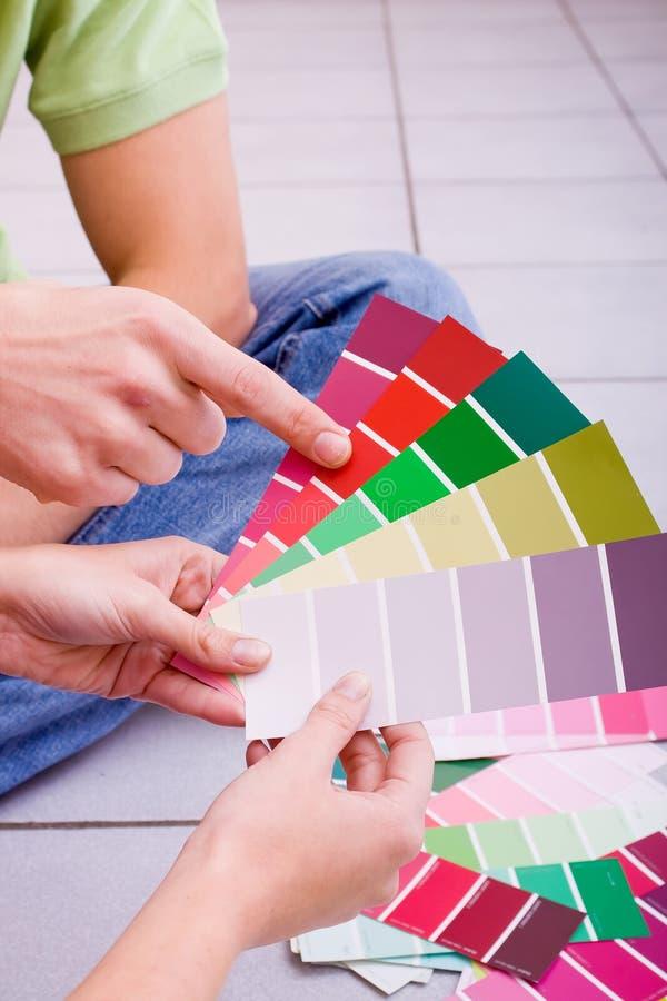 Choix de la couleur de peinture images stock