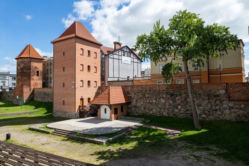 Chojnice, pomorskie/Польша - 29-ое мая 2019: Взгляд старых городских стен в маленьком городе в Померания, Польше Старая и заново стоковое изображение rf