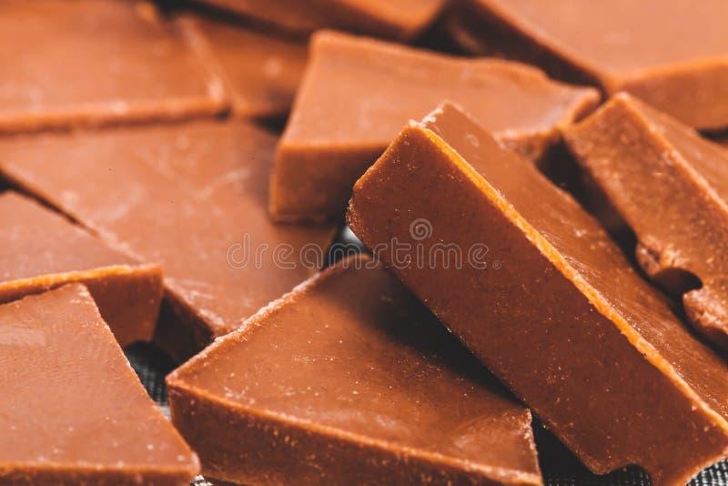 Choklad söt kakaodessert delar arkivbild
