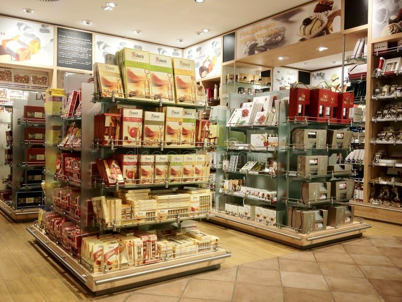 Choklad shoppar arkivfoto