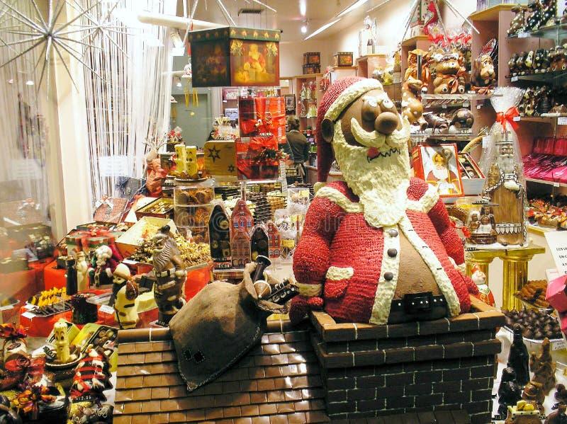 Choklad shoppar i Bruges, Belgien, för jul, den stora chocolatfadern Christmas royaltyfri foto