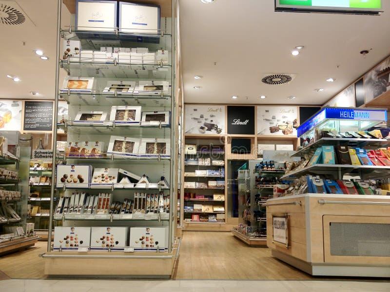 Choklad shoppar i Tyskland royaltyfri bild