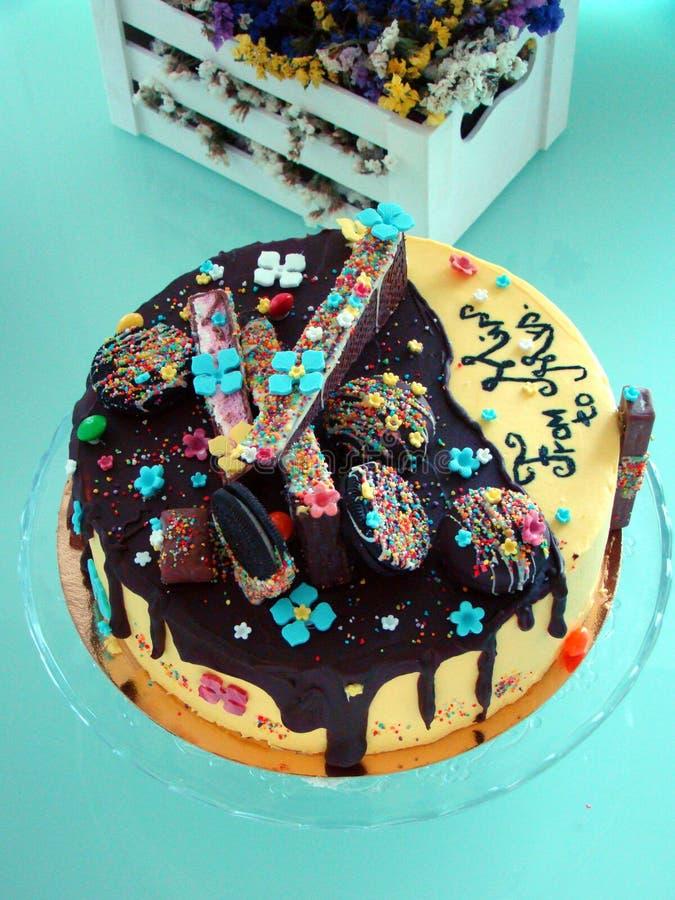 Chokladdroppandekaka fotografering för bildbyråer