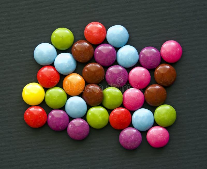 chokladdroppar arkivbilder