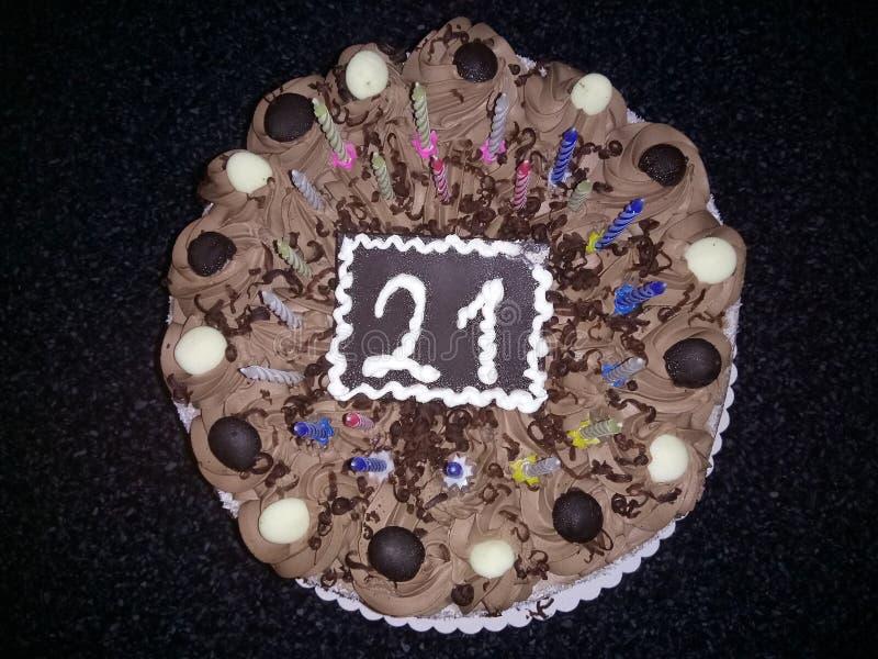 Chokladfödelsedagkaka royaltyfri fotografi