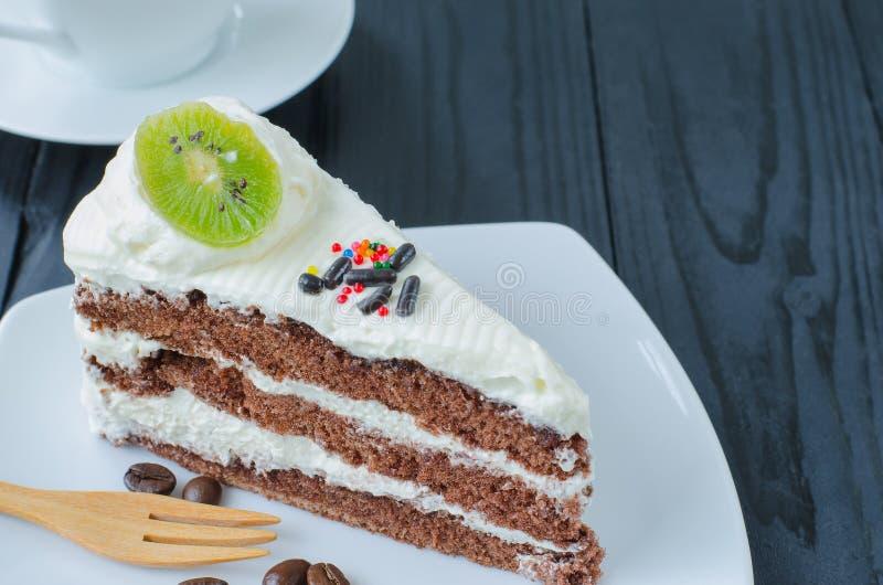 Chokladkaka i maträtt royaltyfri foto