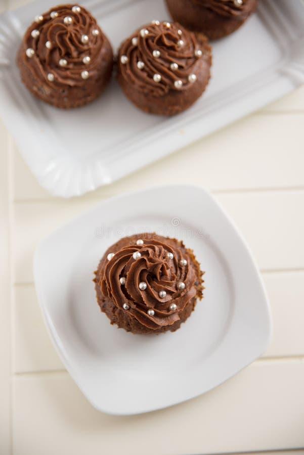 Chokladmuffin med gaffeln royaltyfri bild