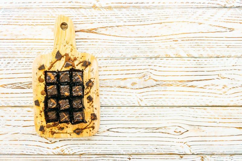 Download Chokladnissekaka arkivfoto. Bild av mörkt, sött, kakor - 106826022