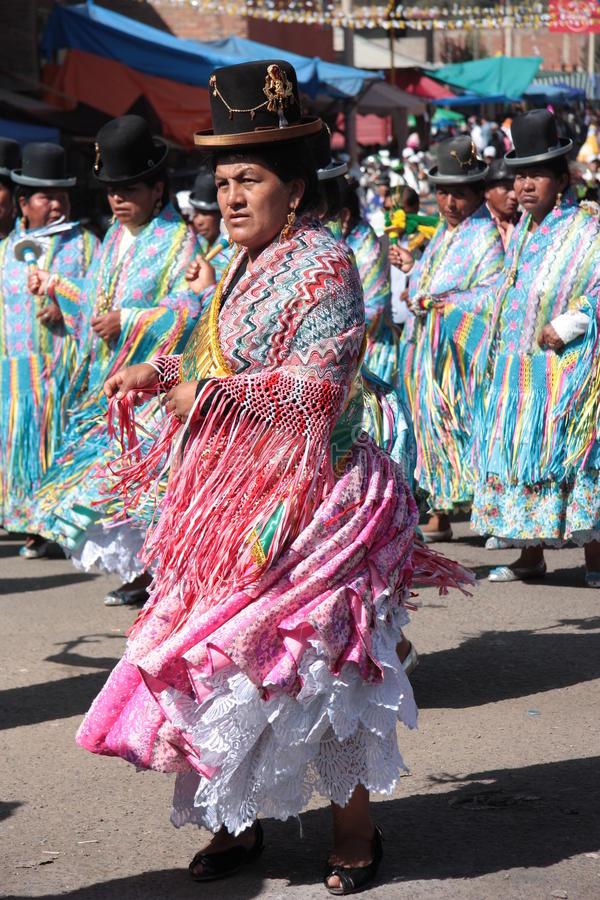 Free Cholitas Women Dance In Native Costumes In Bolivia Stock Photo - 80330560