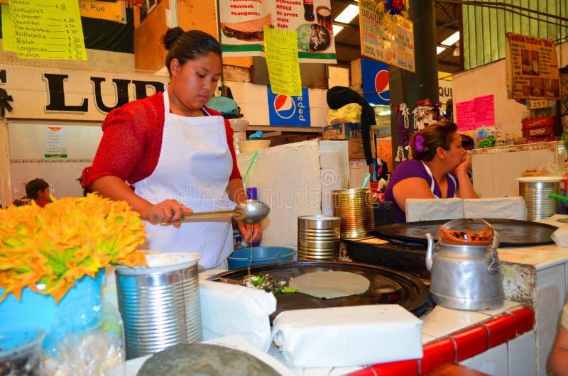 Cholulamarkt, traditioneel voedsel México stock foto's