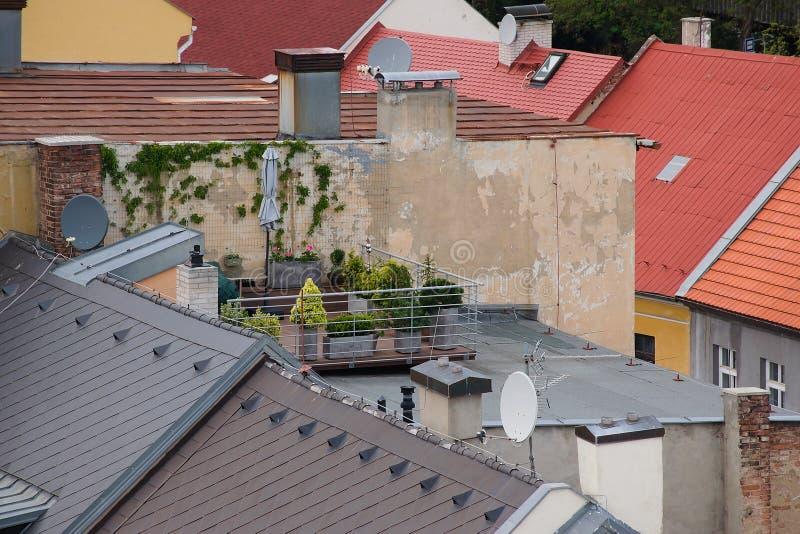 Chomutov, чехия - 1-ое мая 2019: сад между верхними частями на пятнадцатой годовщине присоединения к Европейского союза стоковое изображение rf