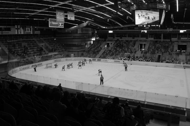 Chomutov, república checa - 29 de março de 2019: Semifinal do hóquei em gelo U19 entre Chomutov e Trinec - evento do acesso p imagem de stock royalty free