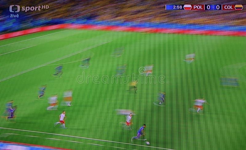 Chomutov Tjeckien - Juni 24, 2018: fotbollsmatch Polen vs Columbia på världsmästerskap i Ryssland på sport I för TVkanalCT arkivbild