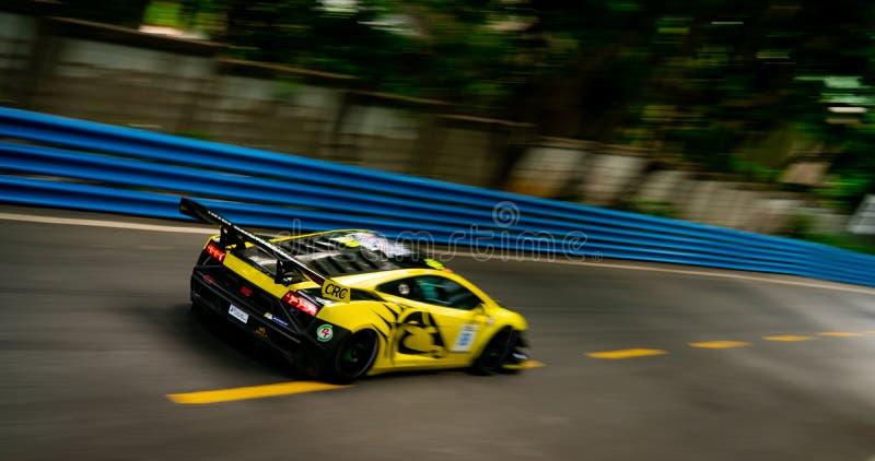 CHONBURI, ΤΑΪΛΑΝΔΗ 15 ΙΟΥΛΊΟΥ 2018: Αυτοκίνητο lamborghini θαμπάδων που συναγωνίζεται στη πίστα αγώνων στα Grand Prix 2018 Bangsa στοκ φωτογραφία με δικαίωμα ελεύθερης χρήσης