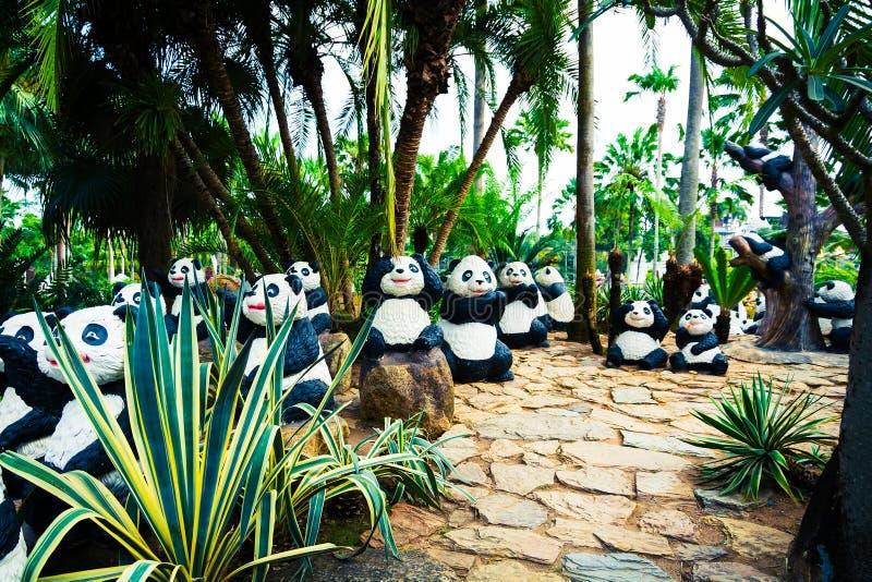 CHONBURI, ΤΑΪΛΑΝΔΗ - 18 Μαρτίου 2016: Όμορφη διακόσμηση κήπων στοκ φωτογραφία