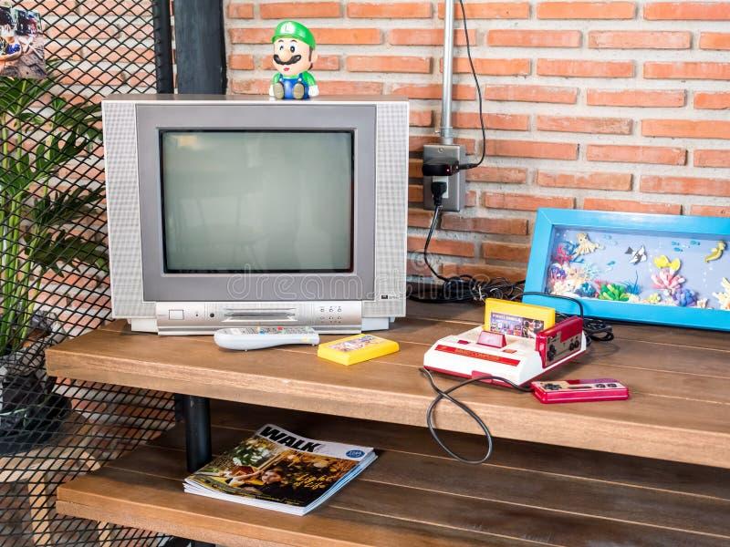 Chonburi, Tailândia - 25 de março de 2017: Computador da família de Nintendo, t fotografia de stock royalty free