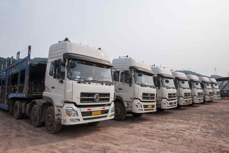 Chongqing Changan Minsheng Logistics Co , Ltd tem com automóvel de Changan, Changan Ford Mazda, Changan Suzuki, Volvo, Benz norte foto de stock