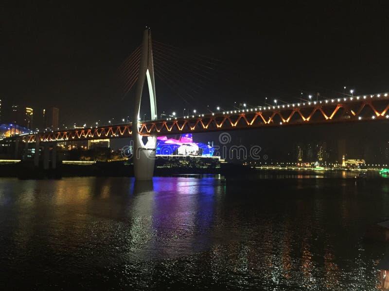 Chongqing Hongyadong κοντά στη νύχτα στοκ εικόνα
