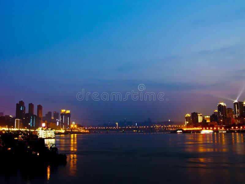 Chongqing nachts stockfotos