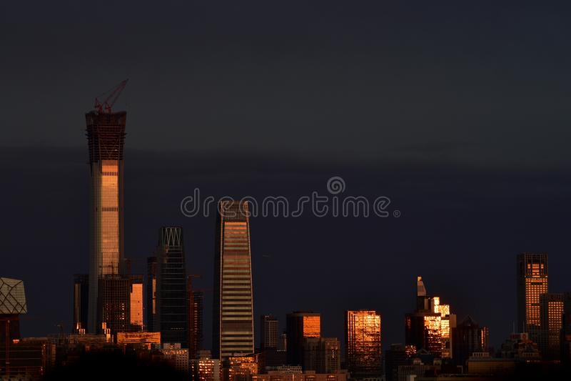 Chongyang festiwal jest na Jingshan wzgórzu oglądać zmierzch obraz stock