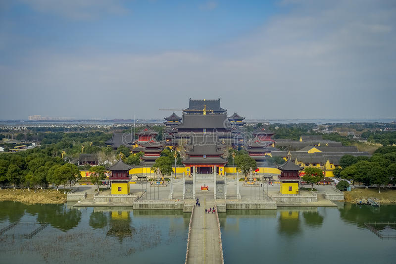 CHONGYUANG寺庙,中国- 2017年1月29日, :平安的寺庙复合体的壮观的概要图片,美好 图库摄影