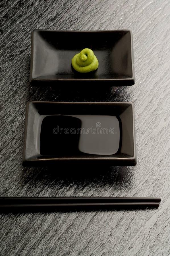 Download Chopsticks Kumberlandu Suszi Zdjęcie Stock - Obraz złożonej z japonia, kolor: 13335708
