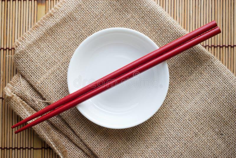 Chopsticks na pucharze zdjęcie stock