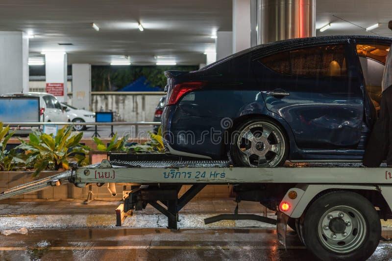 Choque de coche del accidente de tráfico en el camino fotos de archivo libres de regalías