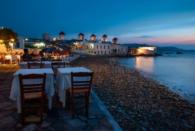 Chora偶象风车在米科诺斯岛,希腊 免版税图库摄影