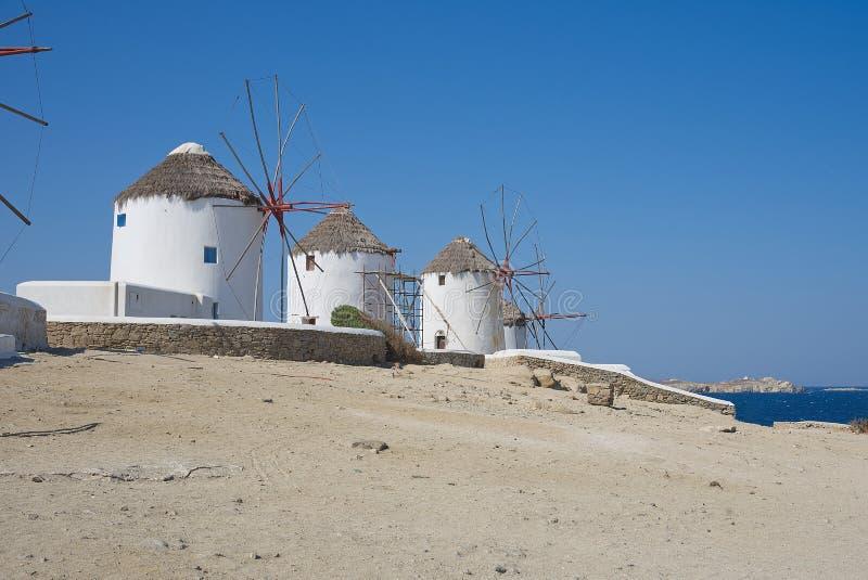 Chora-Dorf Windmühlen - Insel Mykonos die Kykladen - ägäisches meeres- Griechenland lizenzfreie stockfotografie
