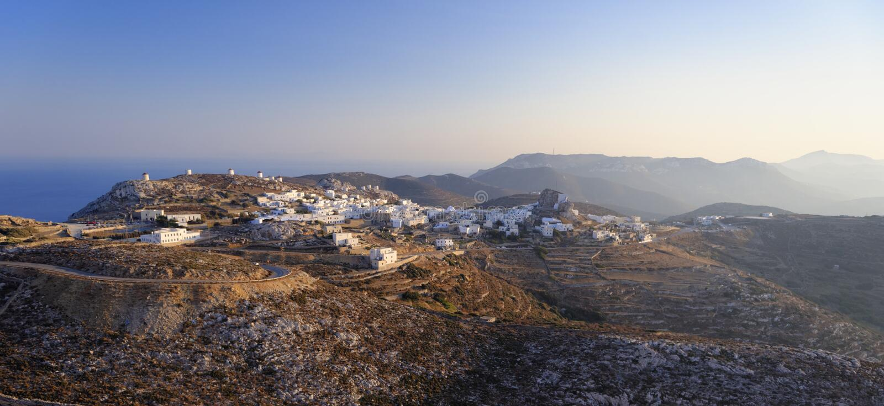Chora by på den Amorgos ön royaltyfria bilder