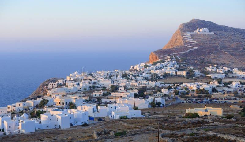 Chora by på Folegandros royaltyfri foto